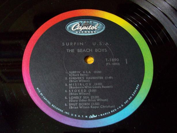 http://www.autistici.org/2000-maniax/images/lp%20covers/surfin_usa%20003.JPG