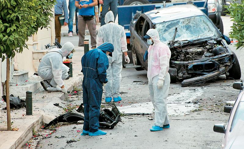Attacco esplosivo contro la macchina della direttrice del carcere maschile di Koridallos, nel quartiere di Dafni, il 7 Giugno 2013