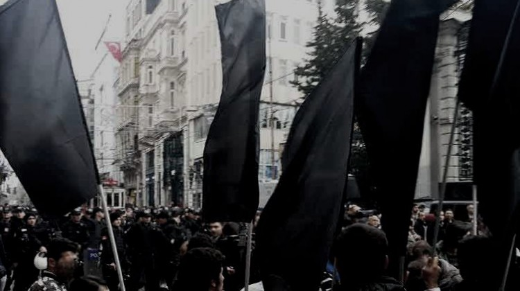 police-standing-for-protecting-greek-consulate