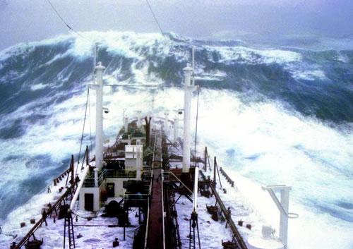 stolt-surf-storm