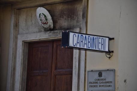 Molotov contro caserma Carabinieri a Firenze, nessun ferito
