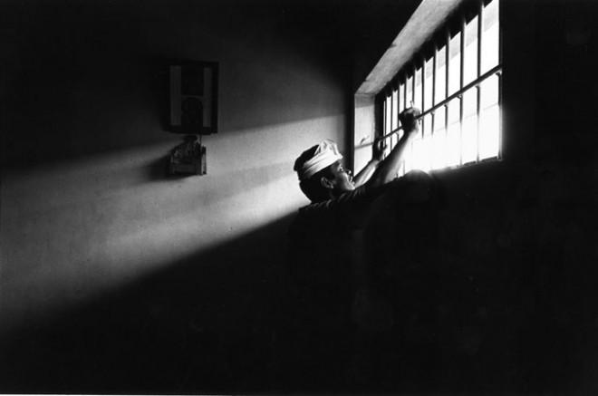 dal buio dell'isolamento