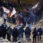 "Demonstrators of the ""No Tav"" (No to Hig"