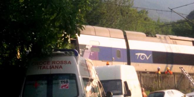 Si blocca il TGV e i PM con l'elmetto indagano i NO TAV per sabotaggio