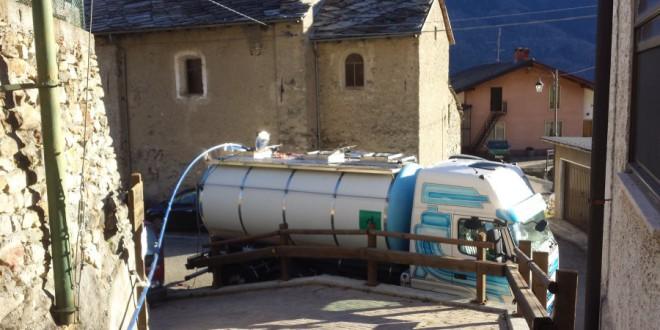 Autobotti alla Ramat, scarseggia l'acqua nella frazione di Chiomonte