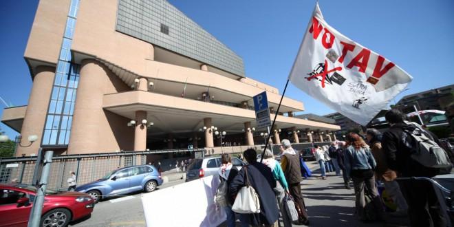 Venerdì 8 presidio al tribunale di Torino per sostenere i no tav
